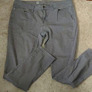 Gray light wash skinny jeans curvy